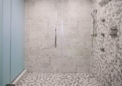 Wilshire Corridor Modern Bathroom